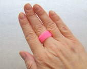 Neon Pink Beaded Ring // Pink Neon Seed Bead Ring // Peyote Ring // Everyday Beaded Ring // Girly Pink Feminine Ring // Summer Neon Ring