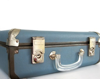 Vintage Roller Skate Carrying Case Blue Stacking Suitcase with Key