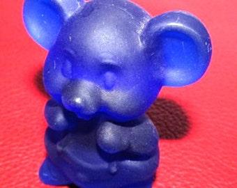 "SWEETHEARTSALE    Cobalt Blue Satin Boyd Art GLass ""Willie"" Animal Figurine Made in 1990"