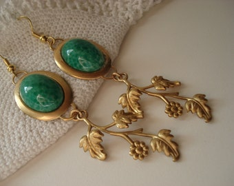 Vintage Green Jade Glass Cabochon Gold Dangle Earrings Floral Leaves Woodland Inpired