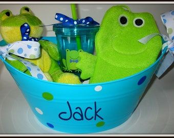 Personalized  Bucket  Baby Gift Newborn Gift Its a Boy Its a Girl Baby Shower