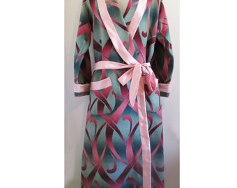 "1926 Beacon ""Ombre"" Blanket Ladies bath robe, restored"