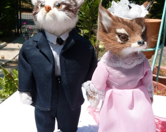 Rare Vintage Mr and Mrs Fox Figurines Real Fur Animal -  Bride Groom Animal Couple Fur Fox Woodland Wedding Decor - Romantic Figurines