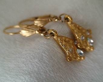 Collectible Trifari Gold Textured Stone Adorned Pierced, Dangling Earrings