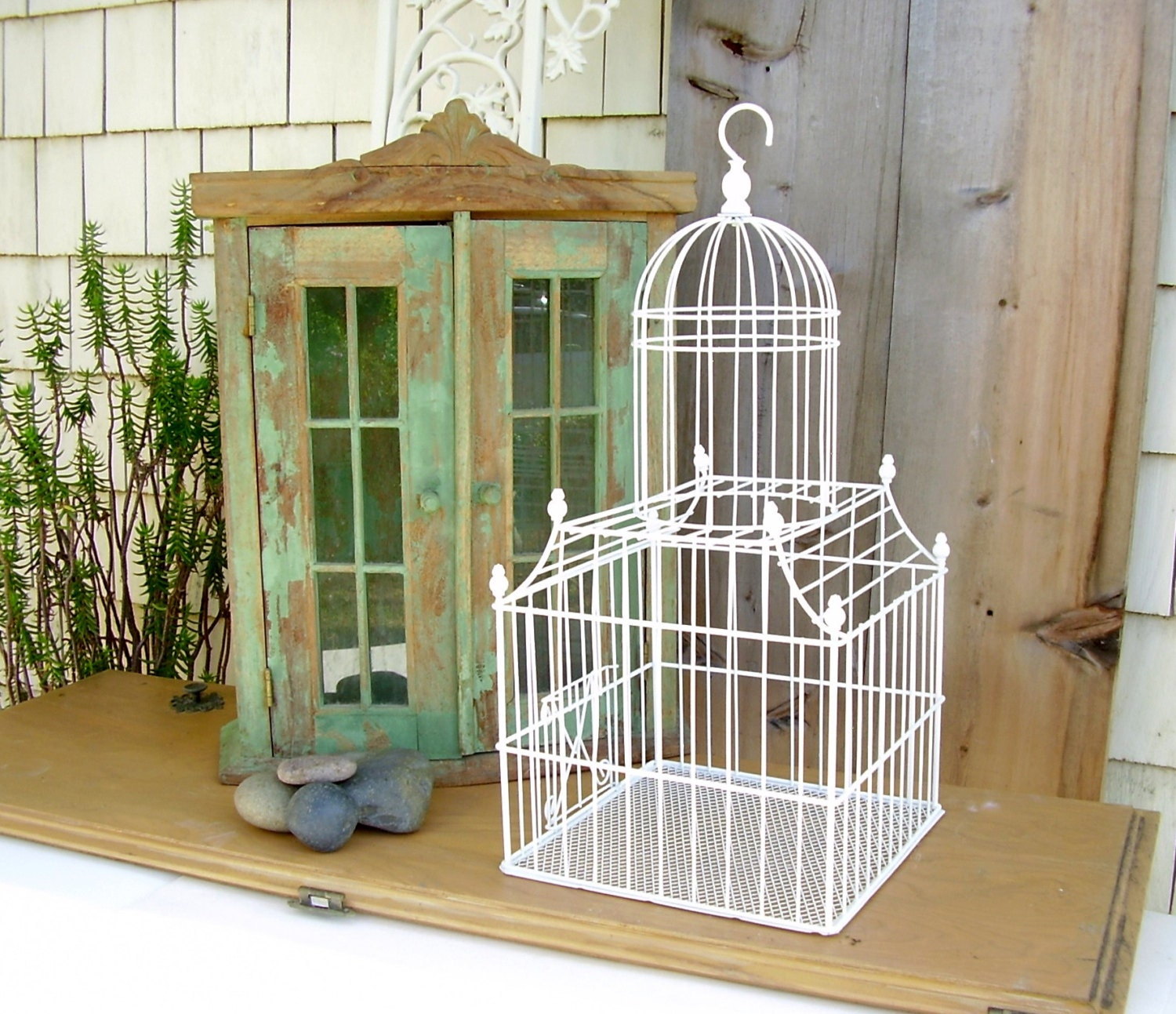 vintage birdcage large metal dome white wire bird cage shabby. Black Bedroom Furniture Sets. Home Design Ideas