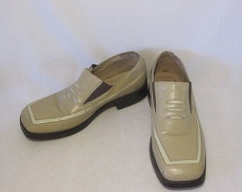 VINTAGE JOHN FLUEVOG men's leather loafers size 9
