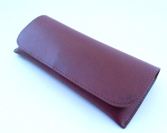 Vintage Maroon Burgundy  Eyeglass Hard Case Faux Leather Sunglass Eyewear Holder Oxblood Pebble Grain Leatherette Accessory Villacollezione