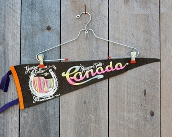 Vintage Niagra Falls Canada Horse Shoe Falls Illumintaed Black Pink Yellow Felt Travel Souvenir Momento Vacation Collectible