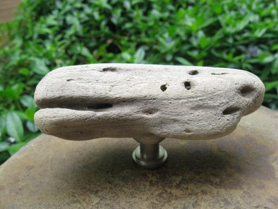 Bois flott naturel bouton de meuble en bois flott cabinet for Meuble en bois flotte