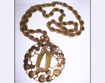 Vintage Necklace  . Gold  .  Big Pendant .  Retro  . 1960s .  60s Chain