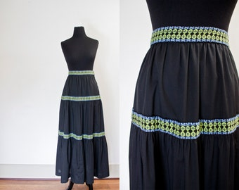 Vintage 1970s Skirt - Black Cotton Embroidered Full Length Maxi Peasant Hippie 70s - Small