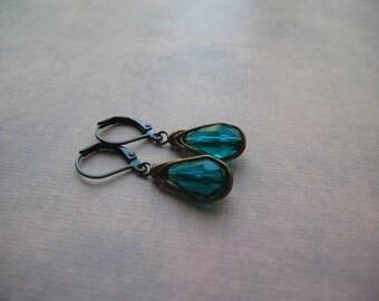 Teal Green Earrings - Vintage Inspired Earrings - Herringbone Bronze Earrings
