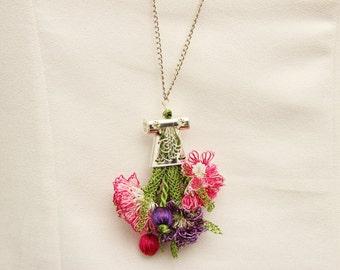 Pendant ,Flowered pendant crochet necklace, needle lace necklace oya necklace