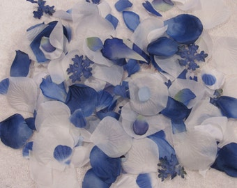 200 Silk Rose Petals BLUE WILLOW WHITE Wedding Flower Decorations Party Decorations Bridal