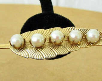 vintage 60s gold tone leaf pin brooch with pearls