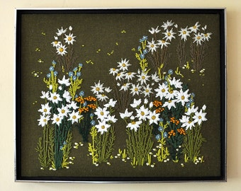 SALE 50 % OFF! Daisy Wildflowers Framed Needlepoint