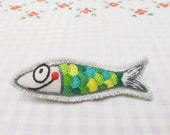 embroidered pin - Sardinha bordada - sardine