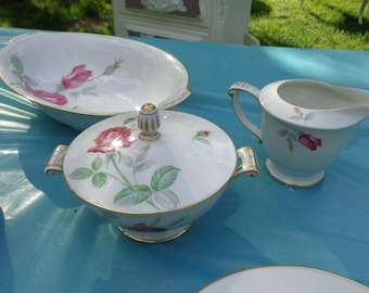 Reduced NOW> 24 piece serving of 4 shabby cottage chic dishes made in Japan, Sango