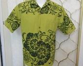 Vintage 1960s Barkcloth Hawaiian Shirt Hawaii Avocado Green Floral Aloha Large