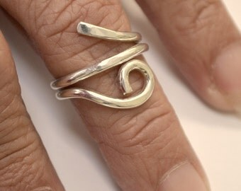 Sterling silver hand forged single loop hammered ring. adjustable size 5.5 - 6
