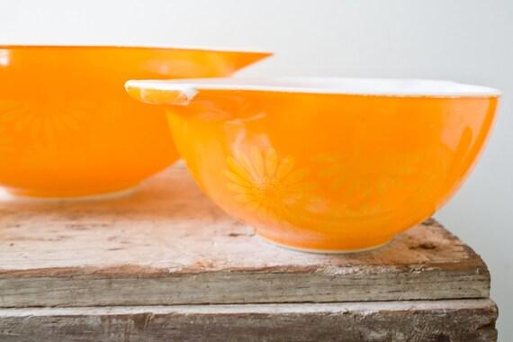 Vintage Pyrex Nesting Bowls Daisy Bowls Yellow Orange
