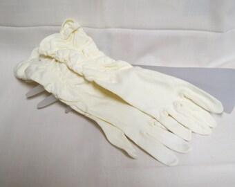Sale Vintatge Dress Gloves Gathered Ecru Ivory