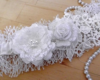 Veil Garter ~ Ivory Wedding Garter - Silk, Veil and Lace with Roses