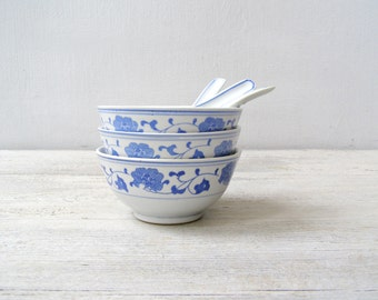 3 Wonton Soup Bowls and Spoons Set, Vintage White Blue Porcelain Small Chinese Rise Bowls Traditional Asian Serving Dinnerware China Pottery