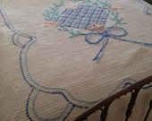 """Vintage Chenille CUTTER Bedspread, White with floral design - 84"""" x 100"""""""