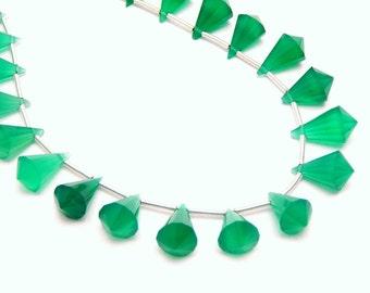 Green Onyx Diamond Shaped Drop Bead -- Top Center Drilled -- ONE Bead (S81B1-04)