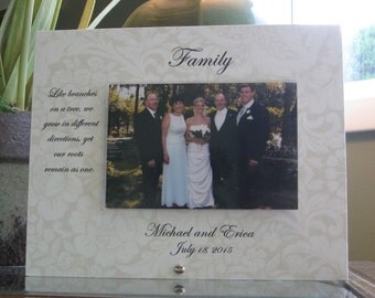 FAMILY Wedding gift, Personalized Family Wedding Picture Frame, 4 x 6 photo, Choice of Sayings and Paper, Horizontal or Vertical Choice