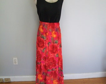 Vintage Floral Bohemian Long Skirt (( Size Small- Medium- Large))