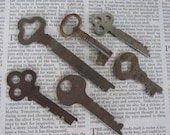 6 Vintage Keys, Steampunk Jewelry Supply lot, diy weddings rustic supply, Altered Art supply, Scrapbooking Journal supply, DIY jewelry, 34SP