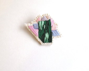 Abstract mineral brooch gem inspiration hand embroidered in ombre green with pink and lavender thread on cream muslin and cream felt