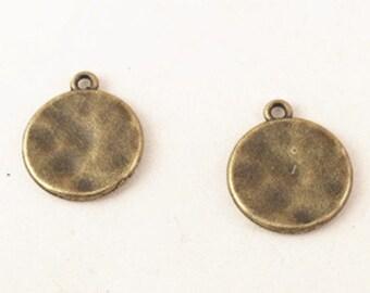 30pcs Antique Bronze Round Hammered Plain Disc Plate Charm Pendants 15mm B108-2