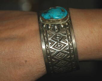 Lovely Vintage Navajo Geneva Ramone Morenci Turquoise & Sterling Silver Stamped Bracelet Cuff  55 Grams