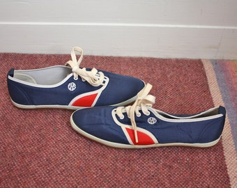 80s Womens Vintage EBS Sneakers Blue Red White Lace Up Tennis Shoes // Womens 6.5 US
