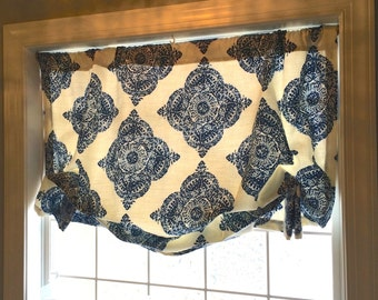 Blue, and Ivory Soft Shade Valence in Duralee fabric