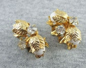 Vtg Clip Earrings   Faux Pearls Clear Rhinestones  Goldtone