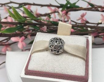 Authentic Pandora Charm For Bracelet Picking Daisies BEAUTIFUL!