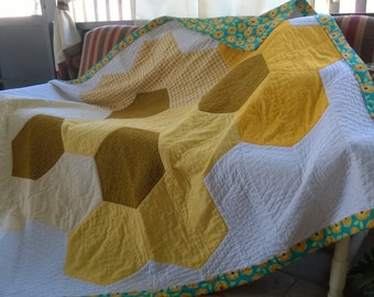 Yellow Comb Quilt