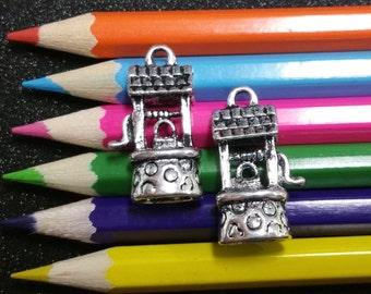 5 PCS - Wishing Well Silver Charm Pendant C0158