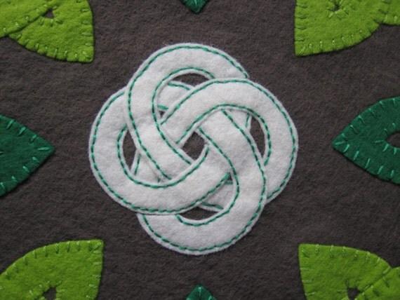Celtic Trinity Knot Knitting Pattern : PDF PATTERN: Celtic Knot Work Penny Rug Wool Applique Trinity Knots sewing tu...