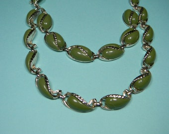Classic Green Jewelry Set, Thermoset, Silver Tone