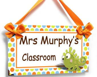 personalized teacher green chameleon classroom door sign - polka dots themed class wall plaque - P306