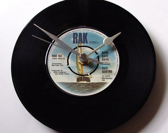 "SUZI QUATRO Vinyl Record CLOCK, ""Devil Gate Drive"", made from a recycled 7"" single, rock chick, 1970s, retro cool wall clock"