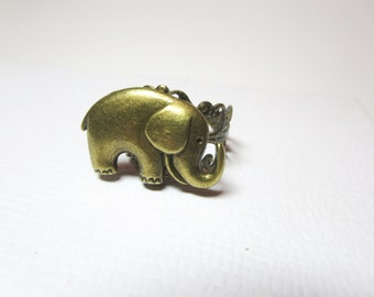 Elephant  Ring -  Good luck ring - bronze  Adjustable ring - Vintage style