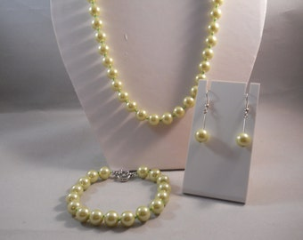10mm Pale Green Sea Shell Pearl Necklace, Bracelet and Earrings Set