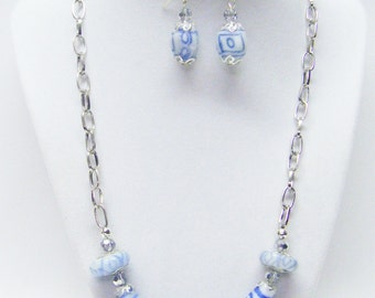 "White & Blue Swirl Lamp Work Glass Bead Necklace/Earrings Set  (21"", No Stone)"