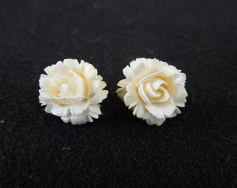 Vintage Silver Earrings, Clip On Type, Stamped 835, White Plastic Flower.